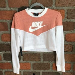 New Nike pink crop top size Small